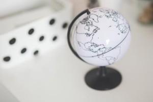 kaboompics.com_White globe on a desk